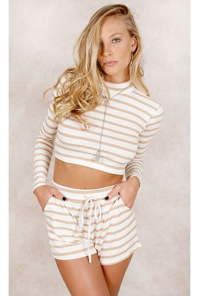 61.shorts.bege.fashioncloset