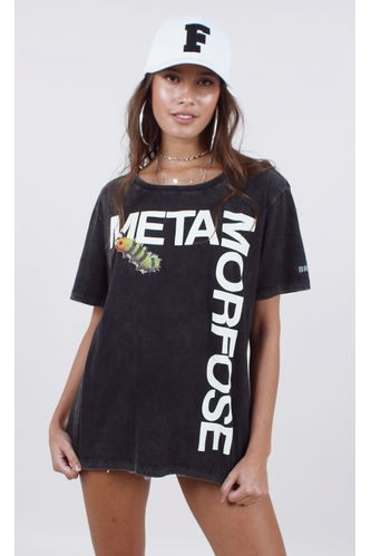 t-shirt-metamorfose-preto