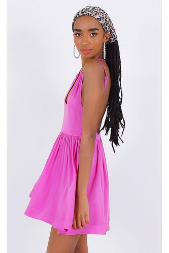 vestido-fernanda-w--detalhe-costas-rosa