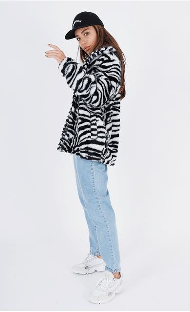 casaco-teddy-zebra-trend-estampa