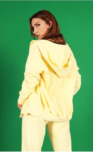 casaco-bya-moletom-over-amarelo